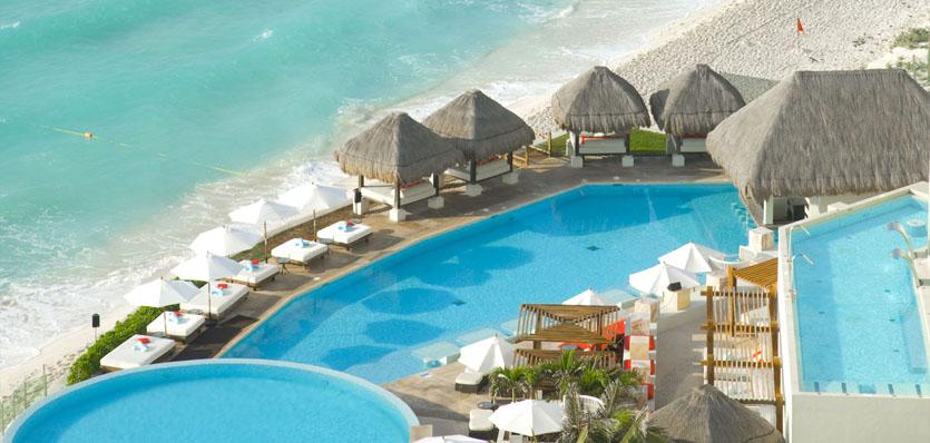 19-me-cancun-pool